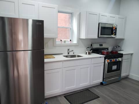 Cozy Tacony 1bd - Private Parking