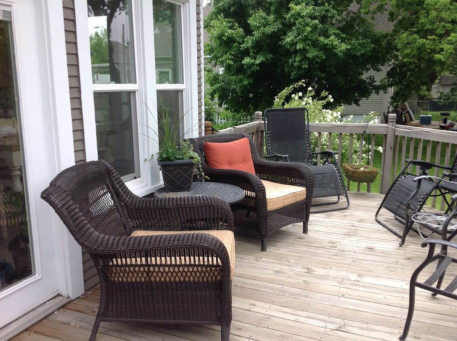 Relaxing space to hang out on the deck!