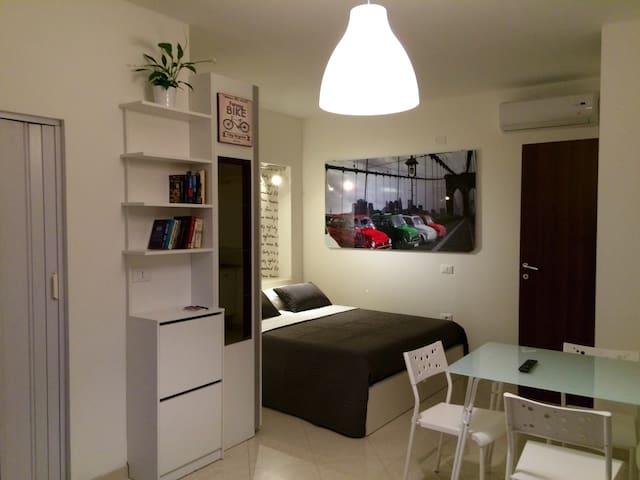 Stupendo monolocale indipendente - Santa Teresa - Appartement