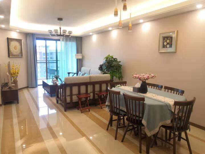 澄江县抚仙湖欢乐大世界翡翠湾两室两厅两卫一厨海景民宿
