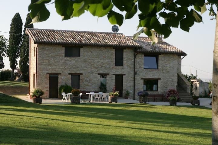 denopope Villa con Parco - Treia - Lägenhet