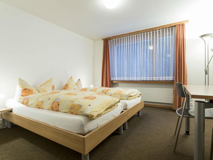 Haus der Begegnung, (Ilanz), 30306A, Superior Doppelzimmer mit Dusche