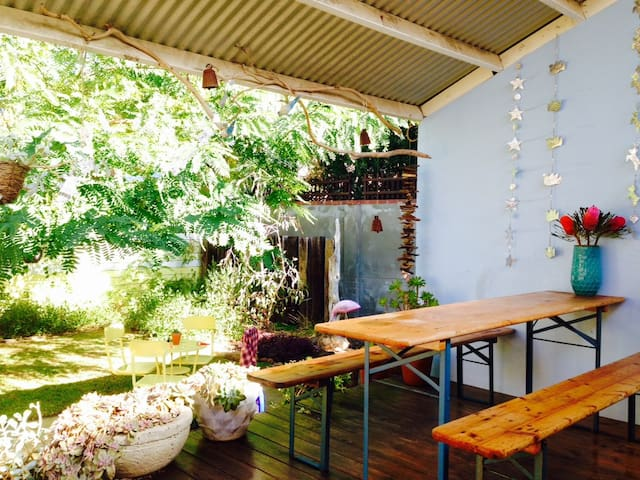 Peaceful Sth Beach House - South Fremantle - House