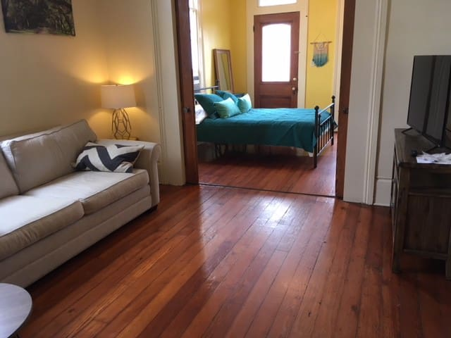 Cozy Beautiful Historic Bywater Apartment