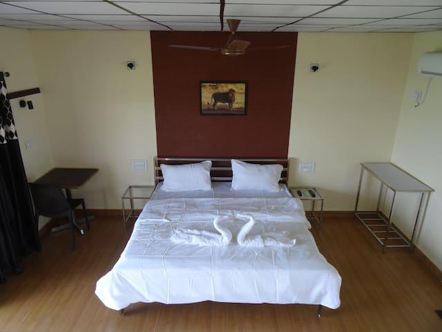 Soni Villa * LAKEVIEW * Room-108 * #Ambardi