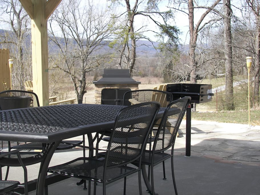 Chattanooga Private Outdoor Dining Cabins For Rent In