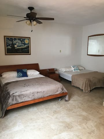 Cozy walking distance to the Beach! - Carolina - Casa