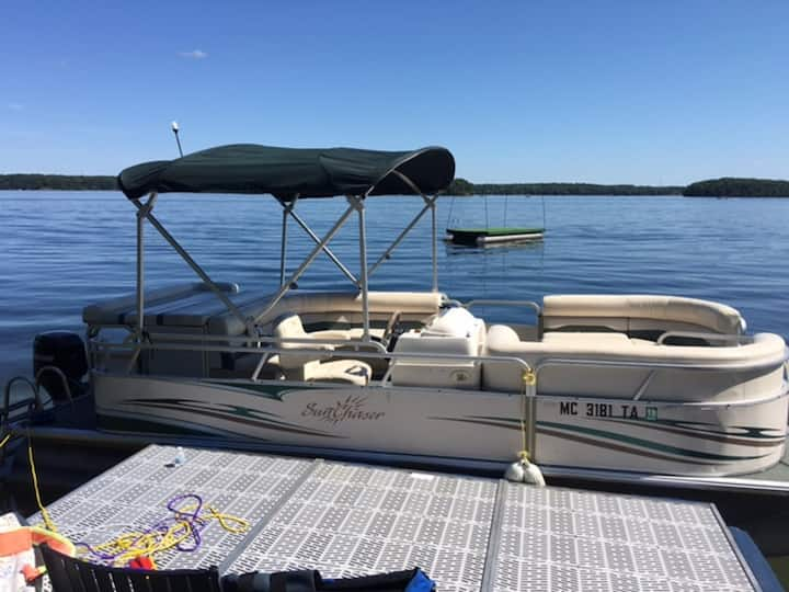 Long Lake Traverse City - Pontoon Available!