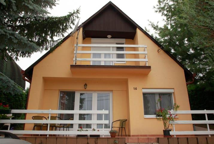 Akácfa 16 Apartman - Zalakaros - Apartment