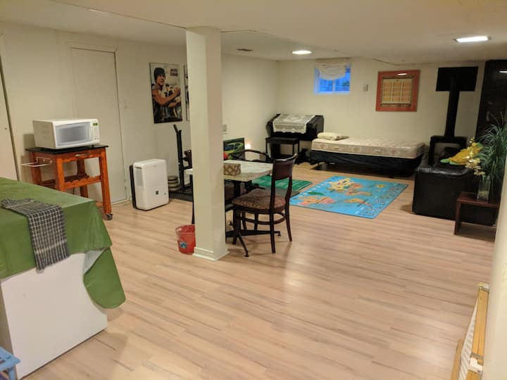 Basement apartment - for simple stays