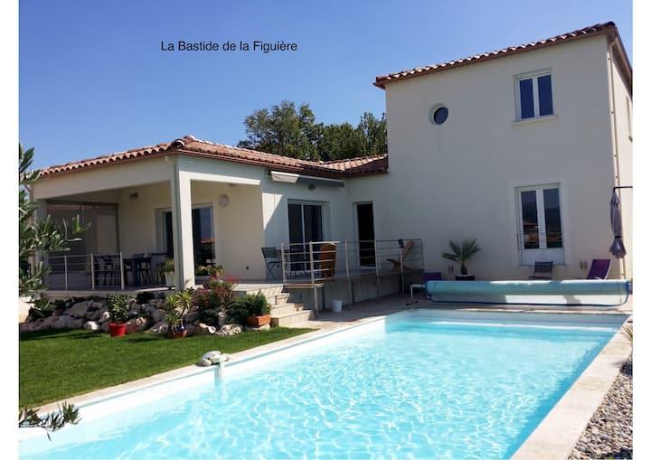 Villa La Figuière avec grande piscine, superbe vue