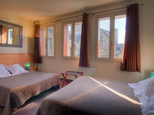 Quad room-Standard-Ensuite with Bath