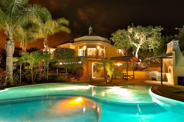 """Villa """"Casa Luz do Sol"""" - Algarve"""