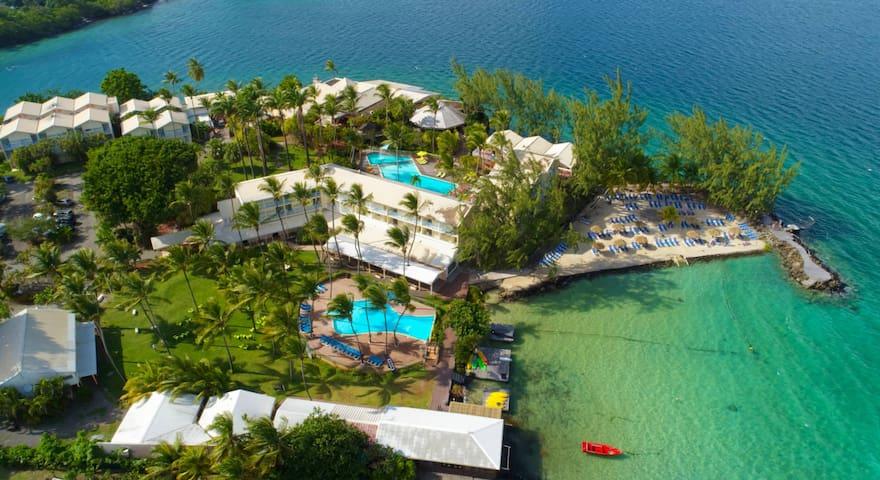Joli studio dans résidence hôtelière piscine + mer