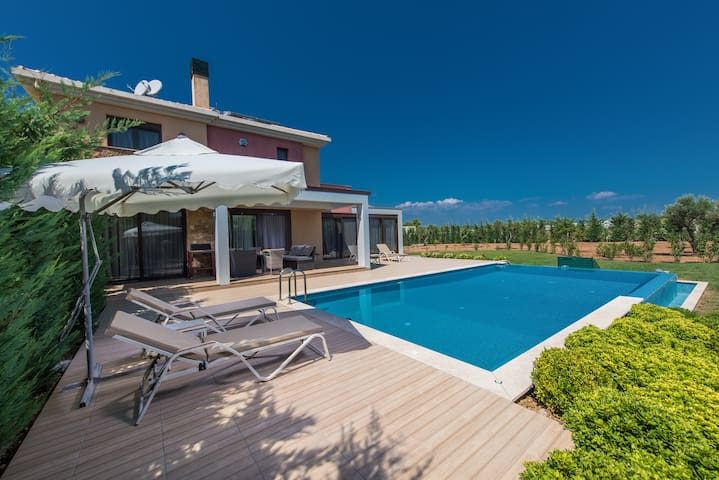 Fig house - a big family house - Sane - Ev