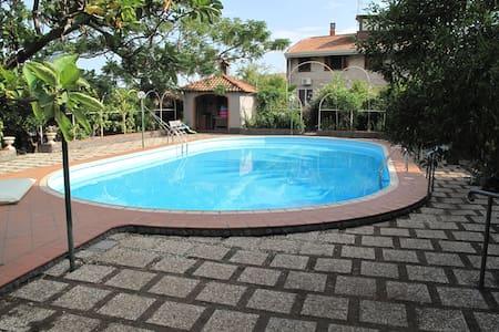 Antico Palmento in Villa con piscina privata - Mascalucia - Leilighet