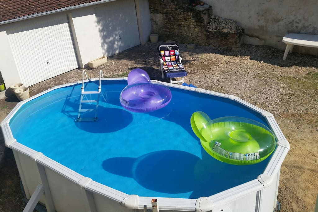 Studio agr able 5km auxerre piscine appartements louer for Piscine franche comte