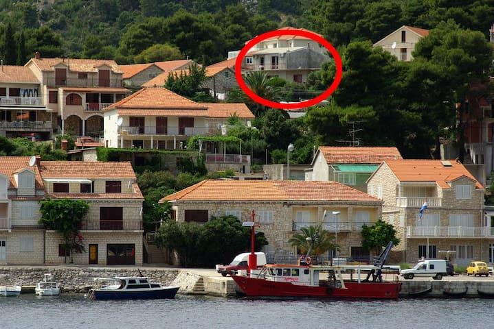 Appartement de deux chambres avec la terrasse et la vue sur le mer Brna (Korcula) (A-4333-a)
