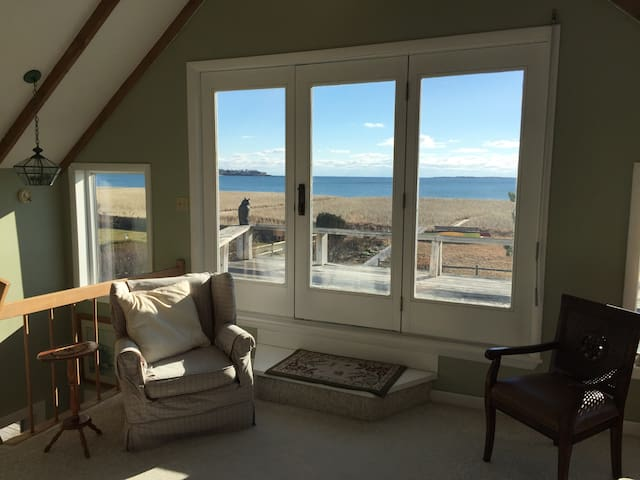 Ocean Front Beach House-3 BR - Scarborough - Huis