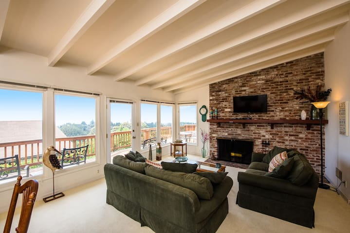 Hillside 3BR Montclair Home with SF Bay Views