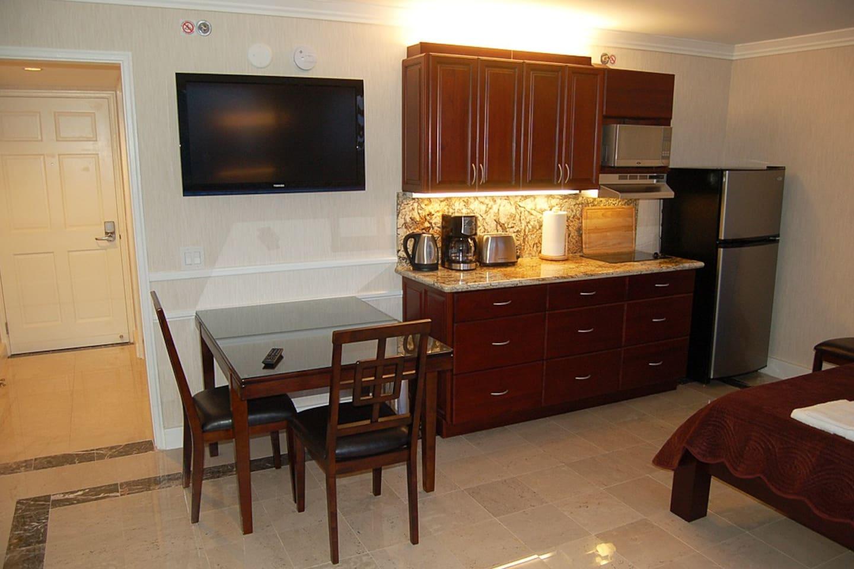 Premium Studio OV at Royal Garden - Apartments for Rent in Honolulu ...
