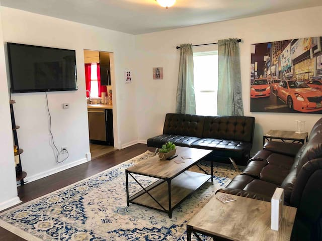 Newly renovated, pet friendly home near downtown!