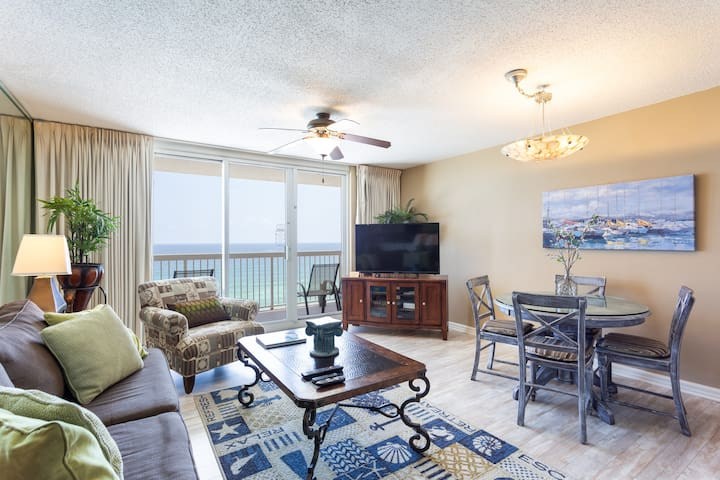 Upgraded 11th flr Pelican 1 bedroom -on the beach-