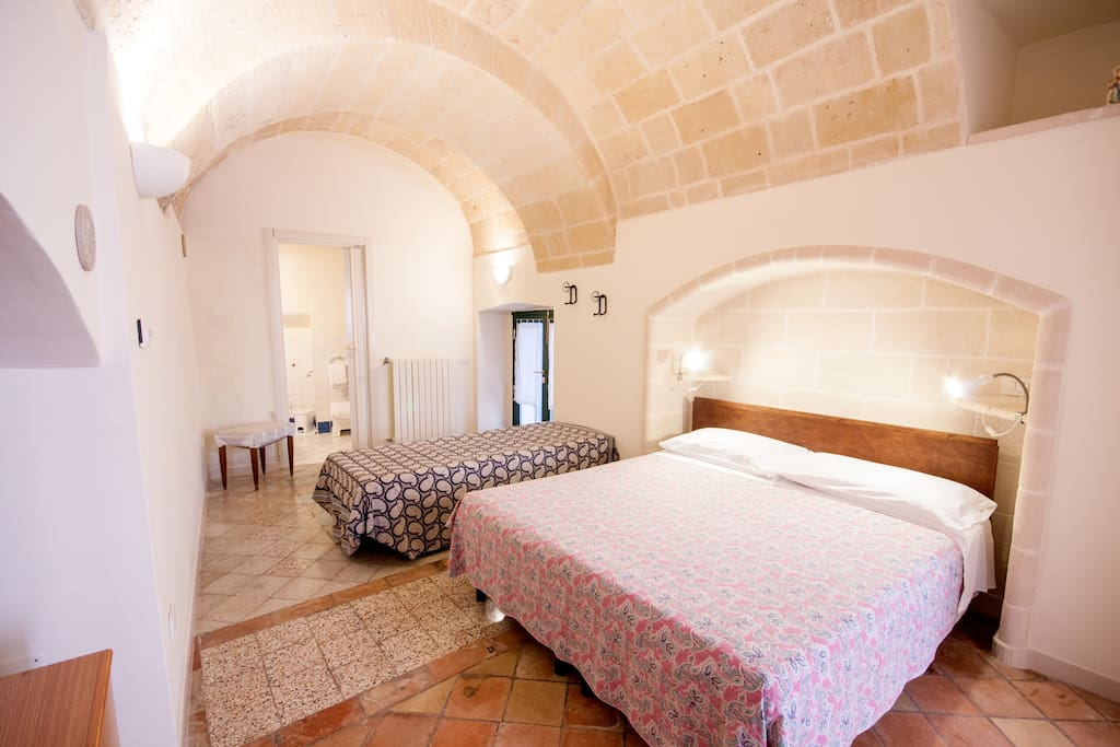 Sassi matera room historic 1700 39 chambres d 39 h tes for Chambre hote ruoms