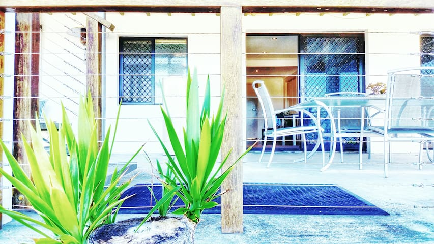 2 Bedroom Apartment close to the Coomera River