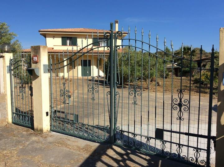 """Villa """"Casa del Mar"""" Porto Pino - Sardegna"""