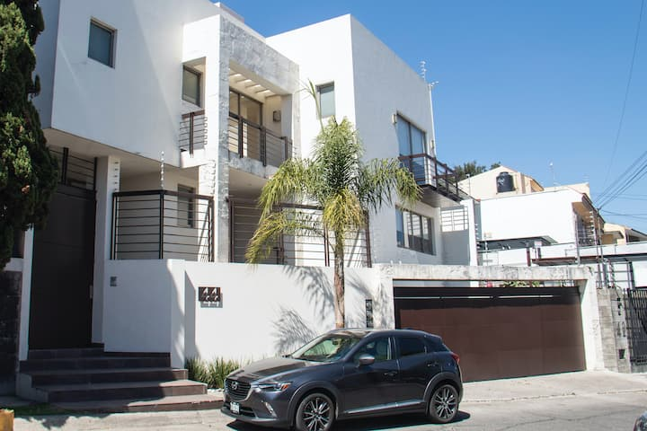 Splendid house in a residential neighborhood