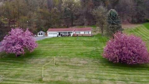Hillside Hideaway Lodge