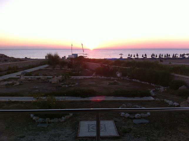 La Glycine Kolymbia face à la mer - Rodos - Huis