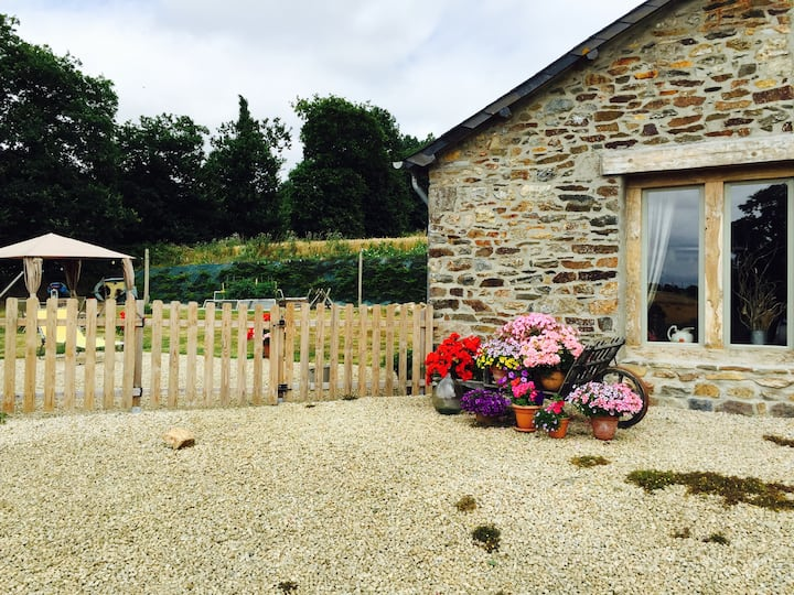 1 en suite double room in rural Breton cottage