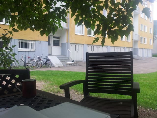 Centrally located private room, charming, quiet - Helsinki - Apartment