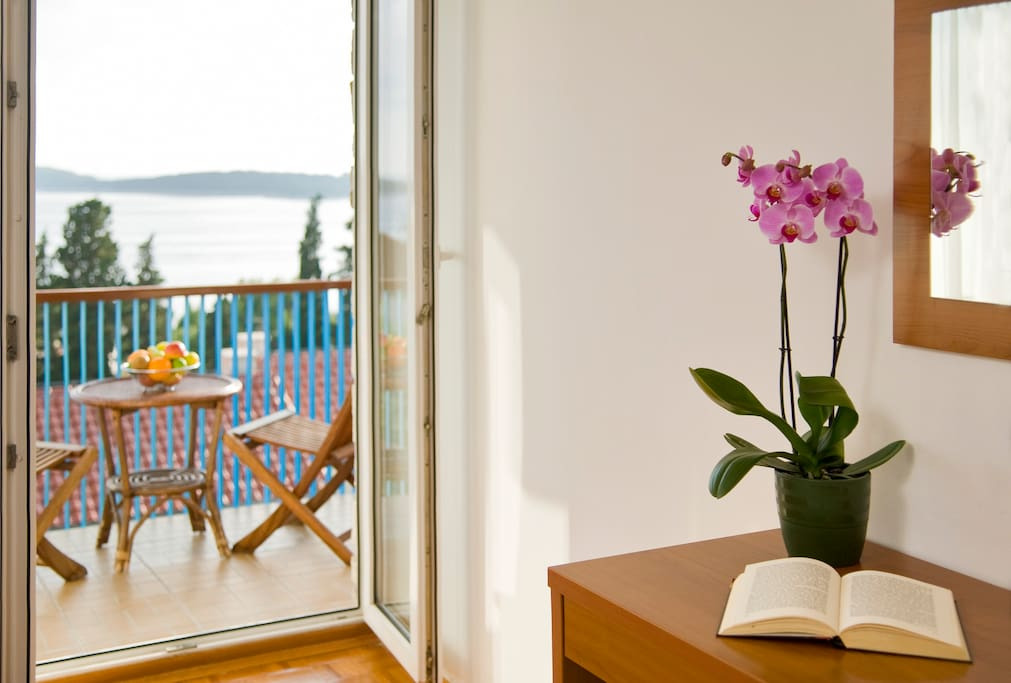 Mini-suite PHARIA in Hvar town, balcony and sea view overlooking Pakleni Islands