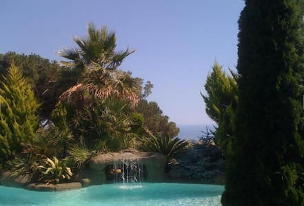 Villa with superb views and pool - Arenys de Munt