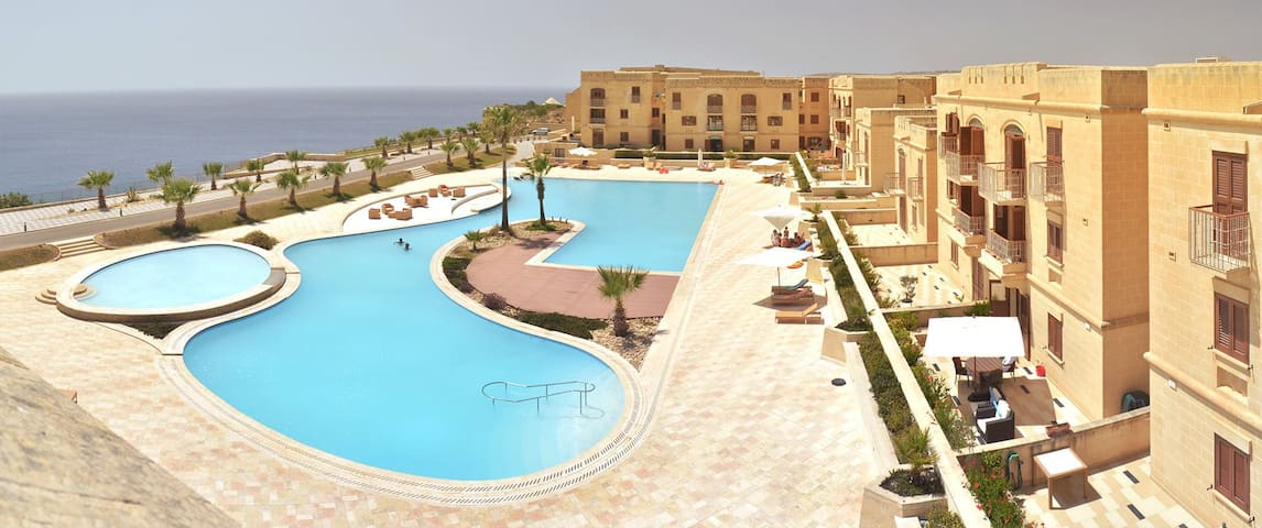 Gozo new apartment+pool+free wifi - Għajnsielem - Daire