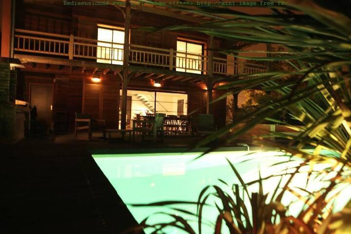 Très belle villa en bois de 175m2 - Bruges - Villa