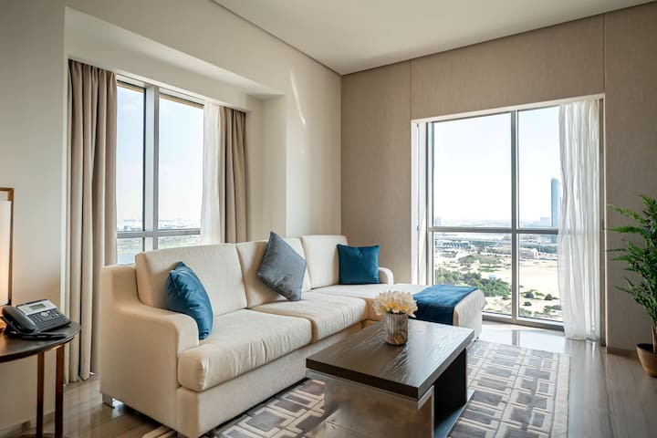 1BR apartment in the luxury Hyatt Regency Dubai