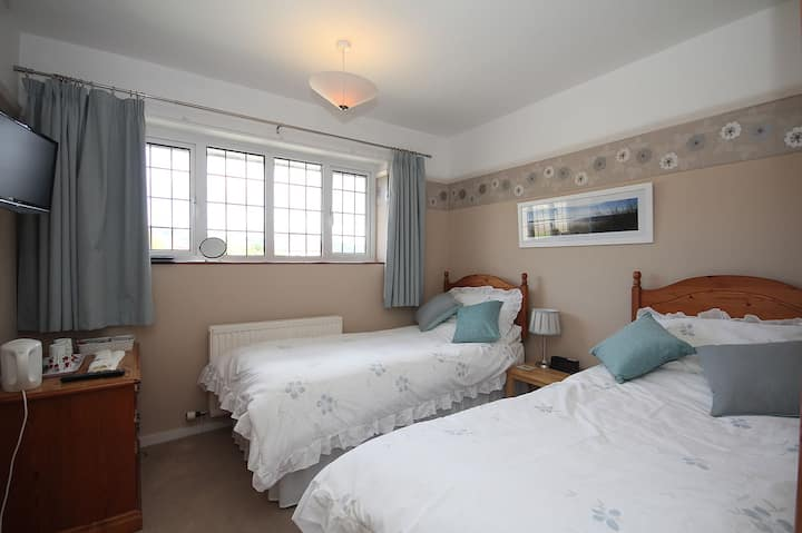 Lovely cosy twin room.