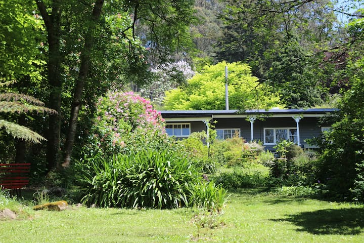 TILLY WHIM, the Mountain Retreat - Mount Dandenong - House