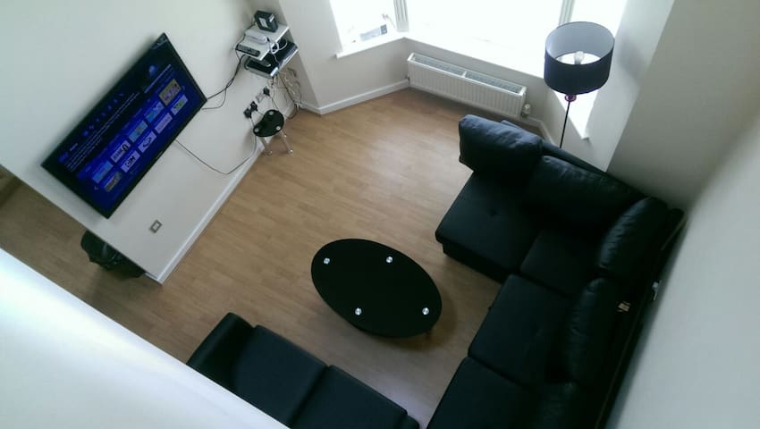 Self Catering Three bedroom flat - Warrington