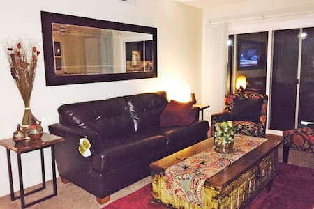 This is a great apartment for a single occupant or a couple (max). It is close to all major attractions and a few blocks away from world famous Ventura Blvd and the Sherman Oaks Galleria where you will find great restaurants, trendy shops and cinemas.