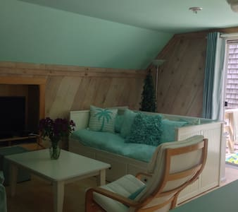 Cape Cod Tree House Retreat - Eastham