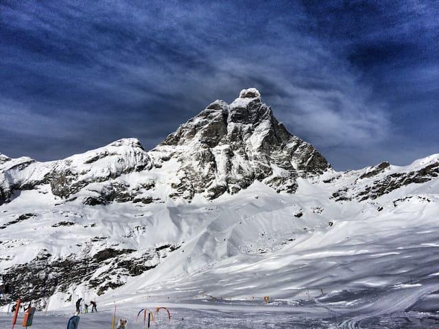 Cozy Getaway 1 Min From Ski Slopes - Breuil Cervinia - Apartamento