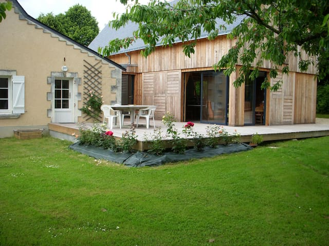 Charmante propriété avec étang - Cheviré-le-Rouge - Huis