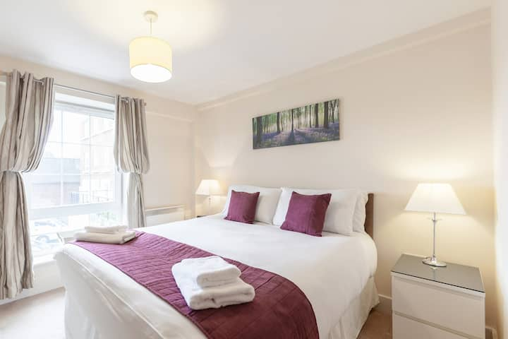 One bedroom fully furnished modern flat in Epsom