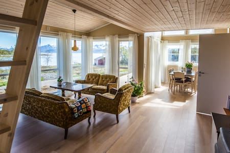 House by the sea, secluded beach - Stokmarknes - Dům