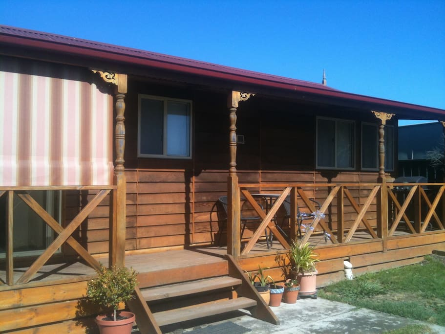 Fully self contained 1 bedroom unit cabins for rent in for Self contained cabin